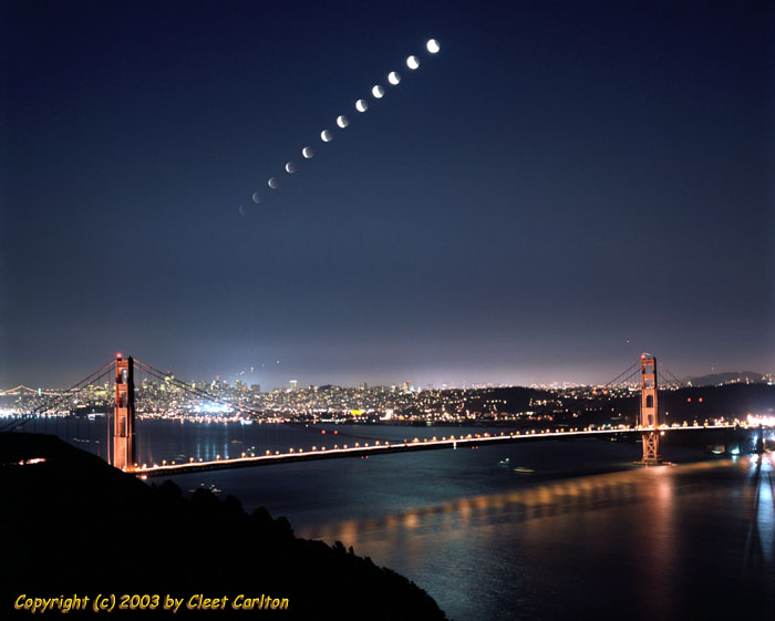 When the moon rose over San Francisco...                       (c) 2003 Cleet Carlton - Click for emailing Cleet