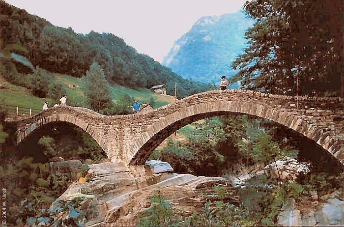 September 2004 - The Roman bridge of Lavertezzo, Val Verzasca, Ticino, Switzerland